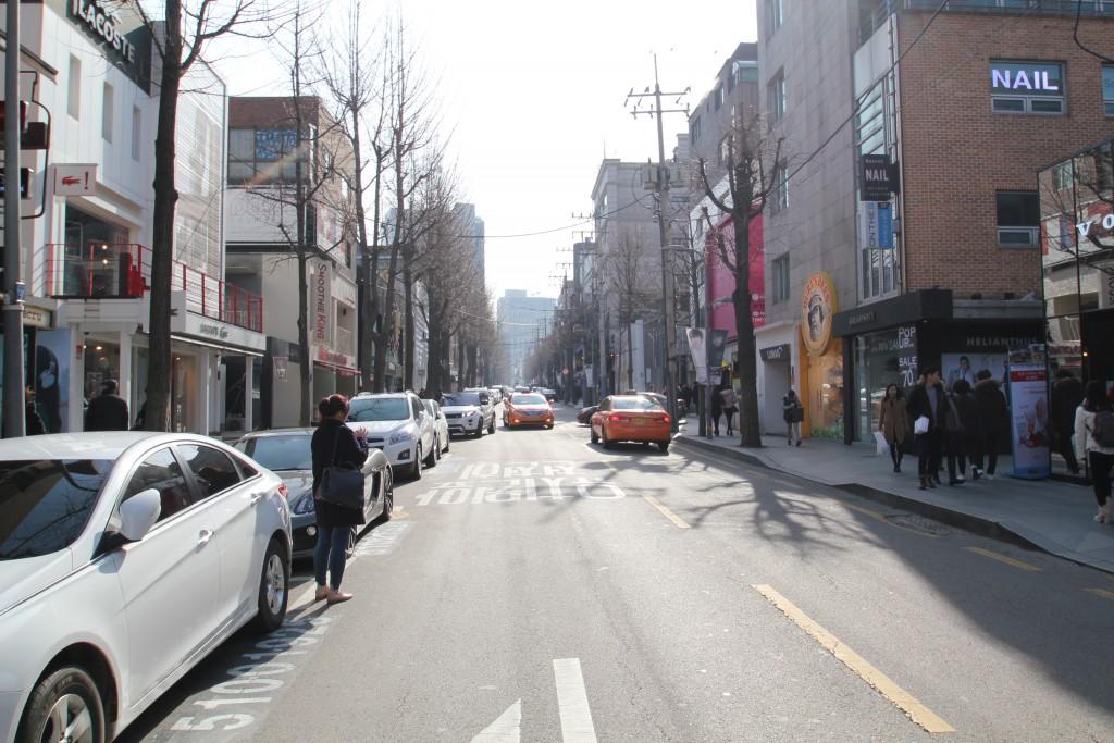 서울시의 상업문화경쟁력확보를 위한 상업지 입체적 정비방안 및 관리모델 개발 연구